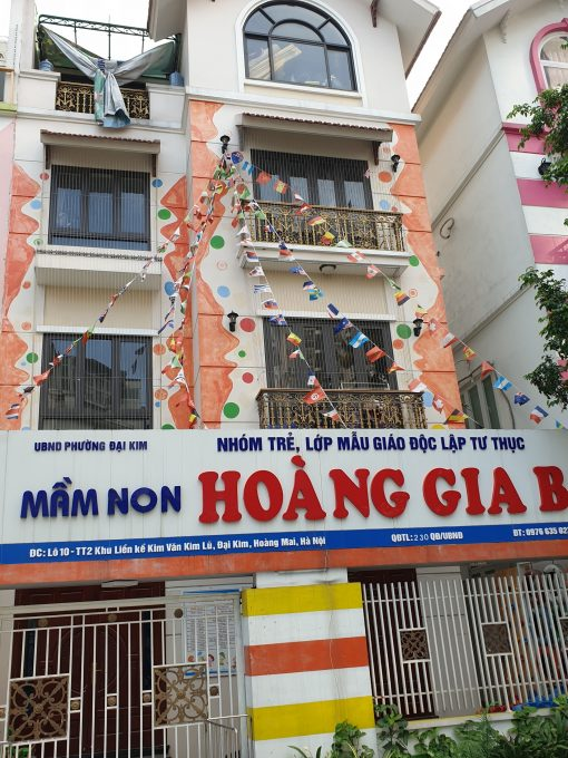 luoi an toan ban cong truong hoc 11